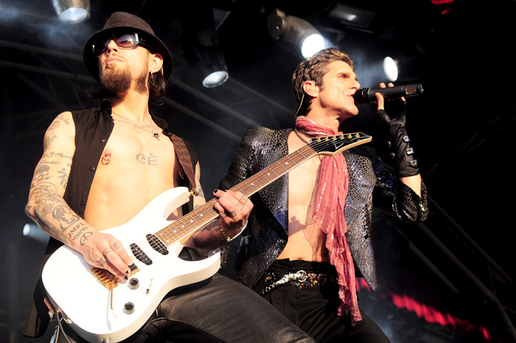 Janes_Addiction_@_Steel_Blue_Oval_(1_3_2010)_(4416154323)